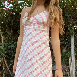 pink daisy dress